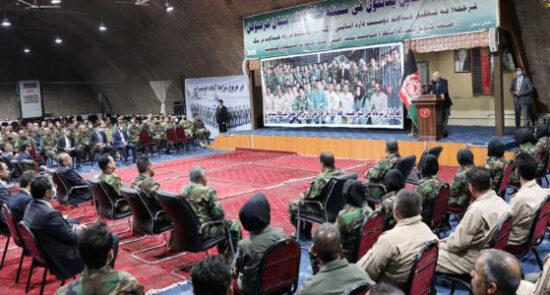 اشرف غنی قول اردوی قوای هوایی 550x295 - بازدید رییس جمهور غنی از قول اردوی قوای هوایی افغانستان