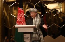 اشرف غنی 2 226x145 - دیدار صمیمی رییس جمهور غنی با افغان های مقیم قطر