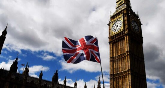 بریتانیا  550x295 - مساعدت مالی بریتانیا برای تامین ثبات و هدایت افغانستان به مسیر صلح