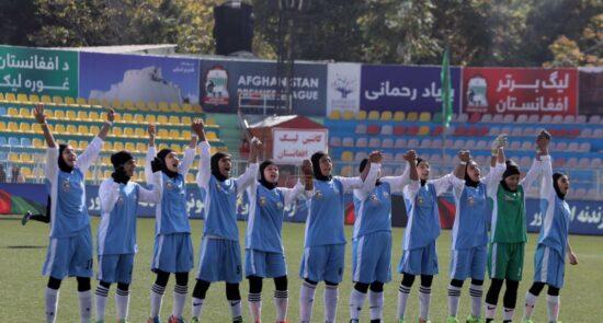 فوتبال بانوان هرات 550x295 - قهرمان فصل چهارم لیگ برتر بانوان افغانستان مشخص شد