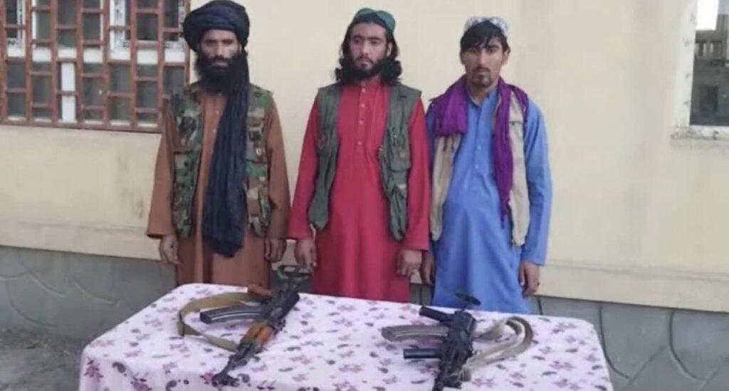 قوماندان طالبان تخار 1 1024x549 - تصاویر/ تسلیم شدن قوماندان طالبان همراه محافظان اش در تخار