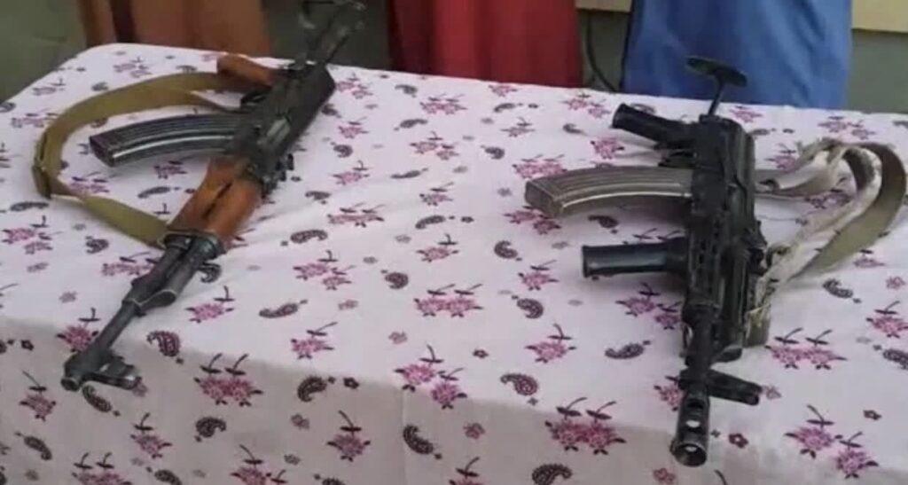 قوماندان طالبان تخار 2 1024x547 - تصاویر/ تسلیم شدن قوماندان طالبان همراه محافظان اش در تخار