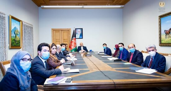 محمد حنیف اتمر نشست سهجانبه 1 550x295 - جزییات برگزاری نخستین نشست سهجانبه افغانستان-امریکا-ترکمنستان