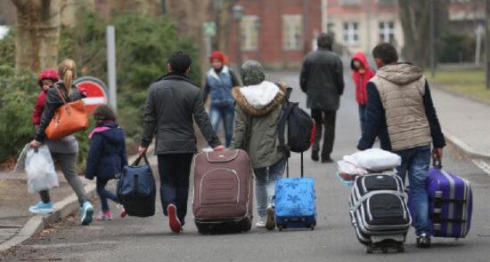 مهاجرین 550x295 - نگرانی مقامات اروپایی از افزایش روند مهاجرت باشنده گان افغان