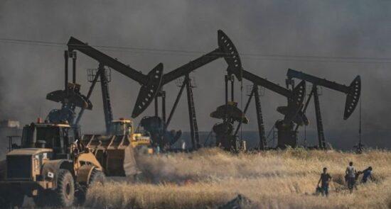 نفت 550x295 - سرقت منابع نفتی سوریه توسط خارجی ها