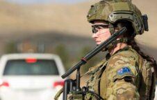 آسترالیا عسکر 226x145 - کاریکاتور/ واکنش هنرمند چینایی به جنایات نظامیان آسترالیایی در افغانستان