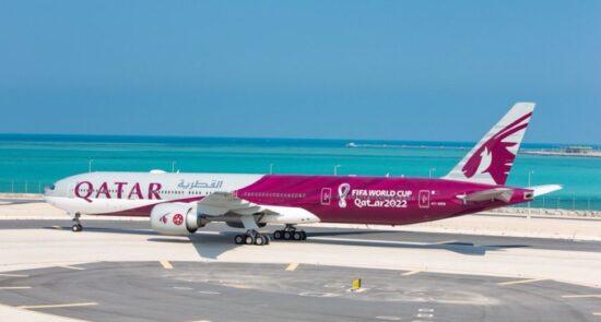 طیاره جام جهانی 2022 550x295 - رونمایی رسمی قطر اولین طیاره مخصوص جام جهانی 2022