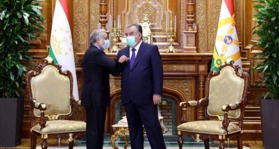 عبدالله عبدالله امام علی رحمان 550x295 - دیدار رییس شورای عالی مصالحه ملی با رییس جمهور تاجکستان
