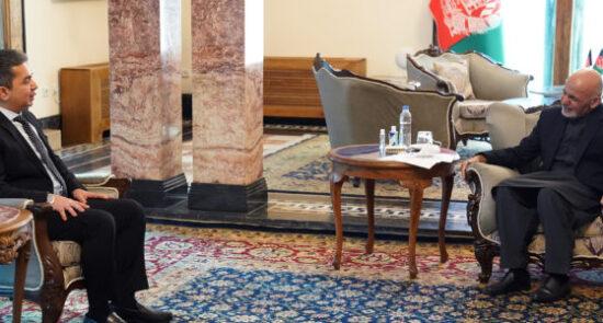 اشرف غنی احمد محمود اسماعیل عثمان 550x295 - اعتمادنامه سفیر جدید مصر تقدیم رییس جمهور غنی شد