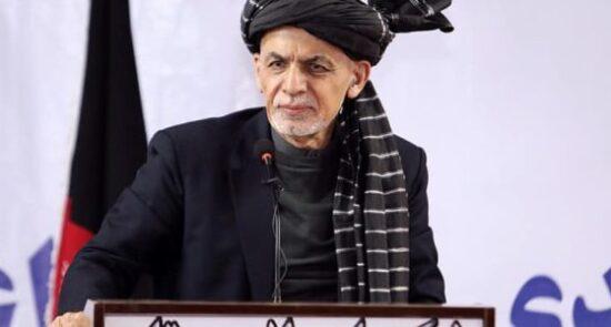 اشرف غنی نمایندگان جامعه مدنی ننگرهار 550x295 - سخنان رییس جمهوری اسلامی افغانستان در پیوند به صلح با طالبان