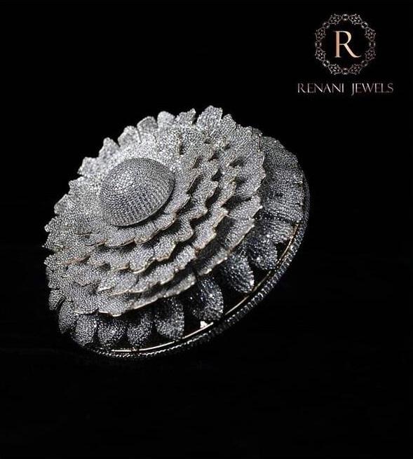 انگشتر الماس هند 2 - طراحی انگشتری با هزاران الماس که در گینس ثبت شد + تصاویر