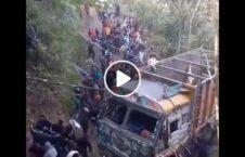 ویدیو اقدام هندی دریور لاری 226x145 - ویدیو/ اقدام جالب باشنده گان هندی برای مساعدت به دریور لاری