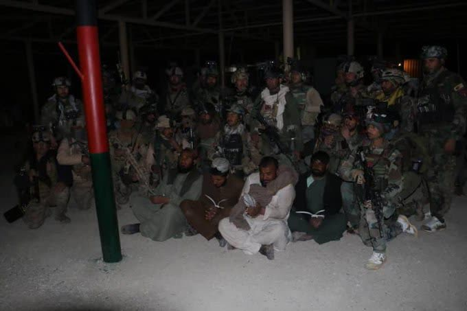 رهایی چهار فرد ملکی 2 - تصاویر/ رهایی چهار فرد ملکی از زندان طالبان در هلمند