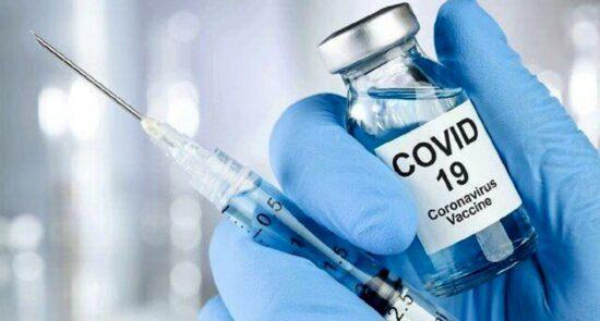 واکسین کرونا 550x295 - آغاز روند تطبیق واکسین کرونا در افغانستان