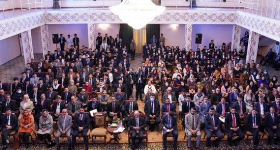 اشرف غنی افغان های مقیم تاجکستان 550x295 - دیدار رییس جمهور غنی با شماری از افغان های مقیم تاجکستان