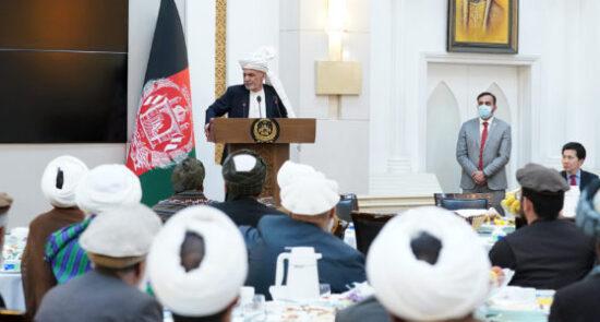 اشرف غنی شورای سرتاسری علما 550x295 - اعلام آماده گی رییس جمهور برای مبارزه با دشمنان افغانستان
