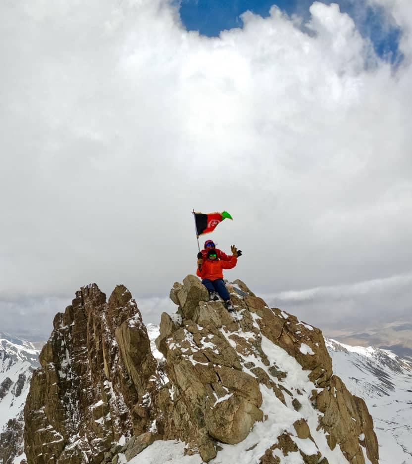 بانوی کوهنورد بامیان 2 - صعود دو بانوی کوهنورد به بلندترین قله کوه بابا در بامیان