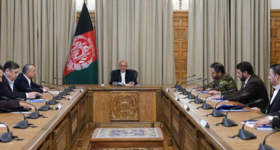 جلسه امنیتی اشرف غنی 550x295 - برگزاری جلسه بررسی وضعیت عمومی امنیتی کشور در ارگ ریاست جمهوری