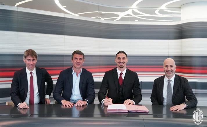 زلاتان ایبراهیموویچ تمدید قرارداد میلان 2 - تمدید قرارداد یک ساله زلاتان ایبراهیموویچ با باشگاه میلان + تصاویر