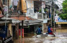 سیل اندونزیا 226x145 - جاری شدن سیلاب های مرگبار در اندونزیا