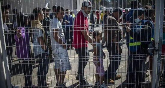 پناهجو مکزیک امریکا 550x295 - سخنان جوبایدن در پیوند به بحران پناهجویان در سرحدات امریکا