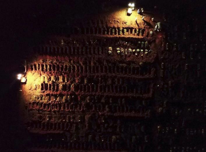 کرونا برازیل - تصویر/ دفن شبانه قربانیان کرونا در برازیل