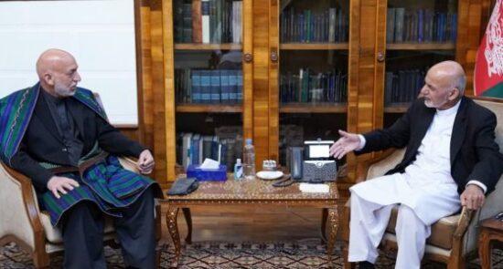 اشرف غنی حامد کرزی 1 550x295 - صلح افغانستان، محور گفتگوی اشرف غنی با حامد کرزی