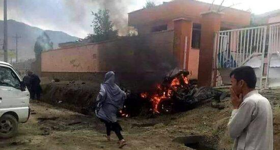 مکتب سیدالشهدا انفجار 4 550x295 - دختران کوهنورد افغان با قربانیان حمله تروریستی دشت برچی کابل ابراز همدردی کردند