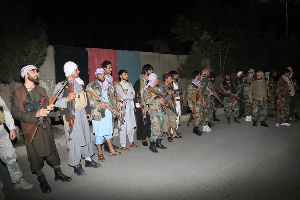 مردم پروان طالبان 2 - تصاویر/ اقدام عملی مردم پروان در حمایت از نیروهای امنیتی