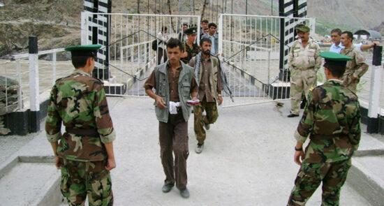افغانستان تاجکستان 550x295 - دستور خاص رییس جمهور تاجکستان برای افزایش امنیت در سرحدات با افغانستان