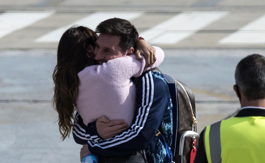 انتونیلا مسی 1024x630 - اسطوره آرجنتاین بعد از قهرمانی در کوپا امریکا به وطن برگشت + تصاویر