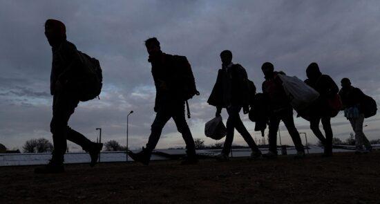 مهاجرت 550x295 - تلاش اتحادیه اروپا برای جلوگیری از مهاجرت افغان ها