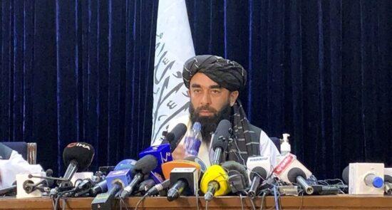 ذبیح الله مجاهد1 550x295 - اعضای جدید کابینه طالبان معرفی شدند
