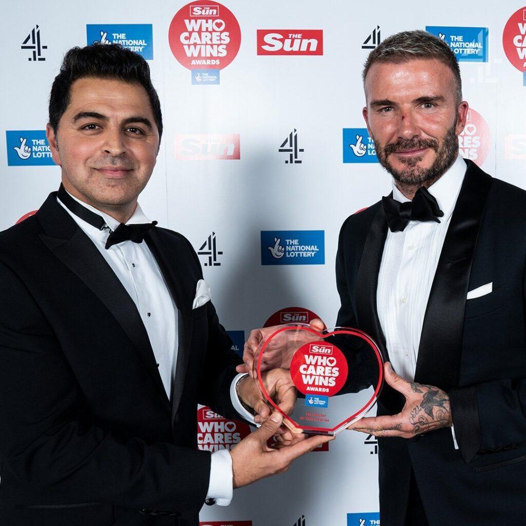 وحید آرین 1024x1024 - اعطای جایزه سال بریتانیا به یک داکتر افغان
