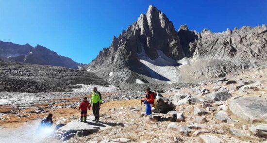 کوهنورد ۶ ساله افغان 2 550x295 - صعود کوهنورد ۶ ساله افغان به قله شاه فولادی بامیان + تصاویر
